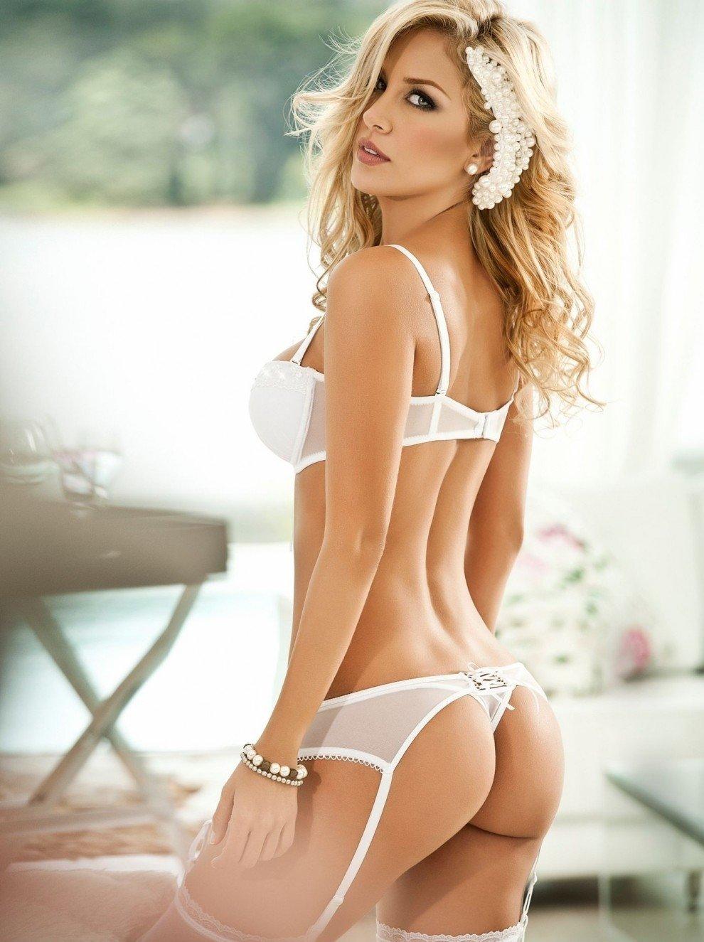покойной графиней, сексуальные фото блондинок в нижнем белье чувство, что можешь